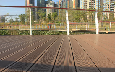 Traditional Deck for Urban Construction